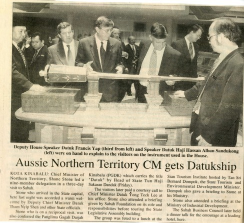Preview medium daily express sabah  ussi northern territory cm gets datukship  18 april 1998