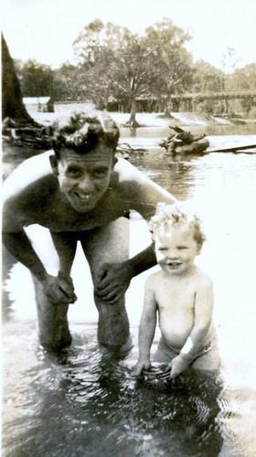 Medium les and shane stone murray river corowa nsw 1951
