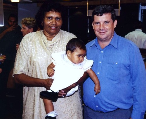 Medium eileen cummings was born in central arnhem land  and is a member of the  stolen  2