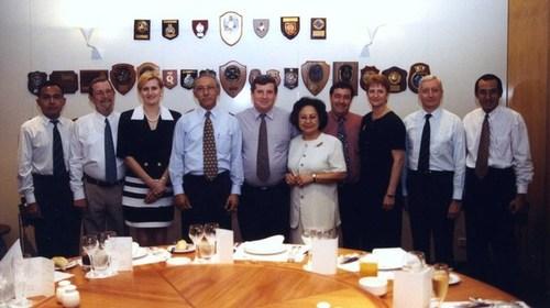 Medium chief minister luncheon farewell indonesian consul widodo 17 dec 1998  2