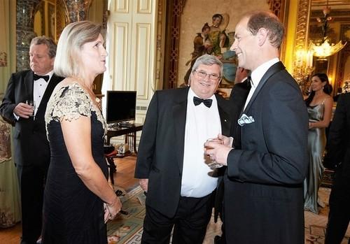 Medium josephine and shane stone with hrh earl of wessex pre dinner drinks buckingham palace london 8 july 2014