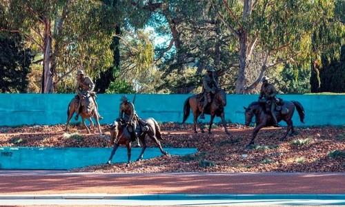Medium boer war memorial horsemen
