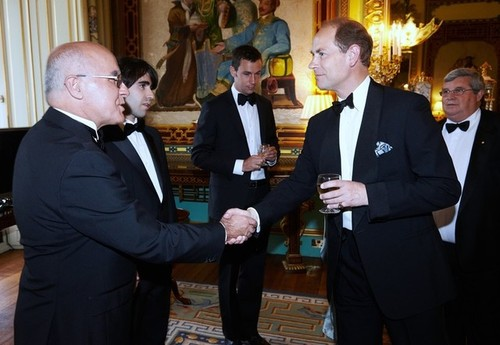 Medium phil and paul barresi presented to hrh earl of wessex pre dinner drinks buckingham palace london 8 july 2014