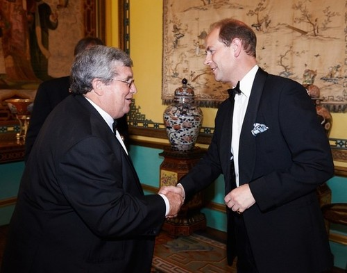 Medium shane stone chairman duke of edinburgh award australia greets hrh earl of wessex pre dinner drinks buckingham palace london 8 july 2014